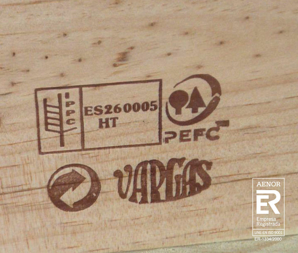 Wooden boxes with ISO 9001 certification